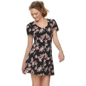$5 W/ BUNDLE Rewind Black Floral Lace Up Dress